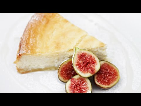 Lemon-ricotta cheesecake with figs & lavender syrup