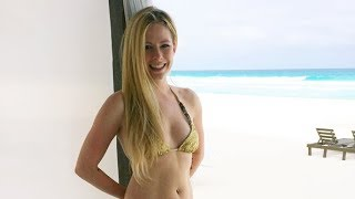 Avril Lavigne - Sippin' On Sunshine (Music Video)