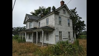 Abandoned Farm house untouched (lots of antiques and items from 1940s-1950s)