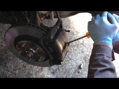 Nissan Quashqai Front Brake Pads Replacement