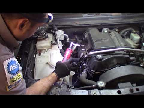 2005 Trailblazer 4.2L how to remove the exhaust manifold damaged O2 thread
