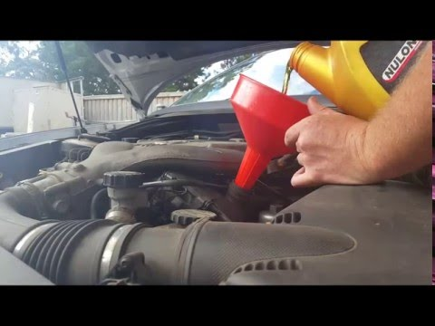 Holden VZ Commodore Oil Change Filter Service HD