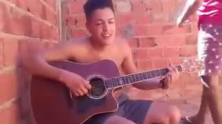 Emocionada garota fica ao ver Bruno Rodrigues cantar Por um Gole a Mais- Bruno e Marrone