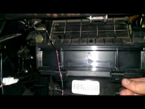 How to replace in cabin air filter Nissan Altima 2005
