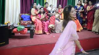 reception dance performance by bride sister