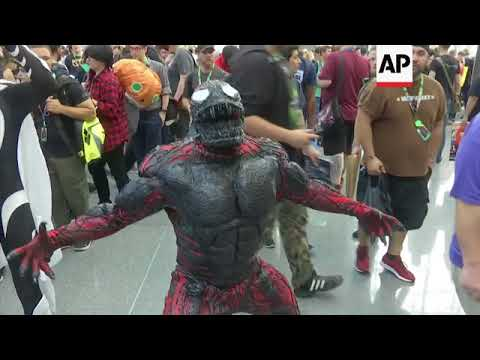Cosplay rules at packed second day of New York Comic-Con