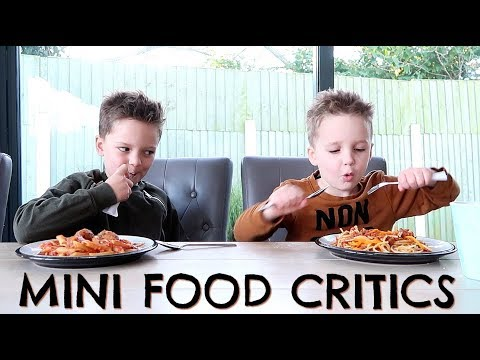 KIDS TASTE TESTING HUNGRY HEROES MEALS WITH ICELAND & CHANNEL MUM AD