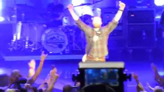 Dierks Bentley - I Hold On (w/concert intro) & Free and Easy - Clarkston, MI - 06.01.18