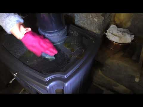 Removing Rust From A Cast Iron Wood Burning Stove Using White Vinegar & Polishing With Zebraline