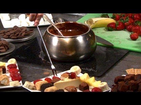 How To Make Chocolate S'mores Fondue