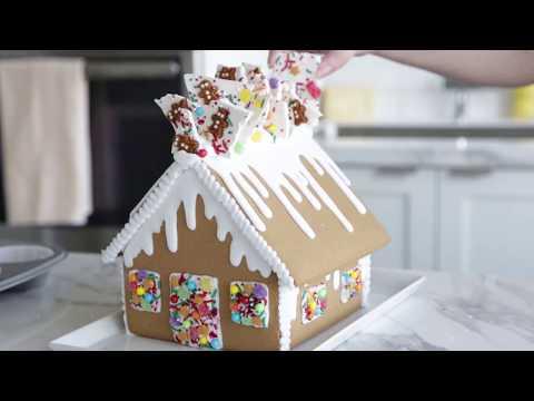 Fun Gingerbread House Decorating Idea