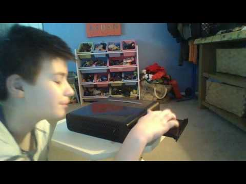 How to Fix a Stuck Closed Xbox 360 E Console Disc Tray | HowUFix