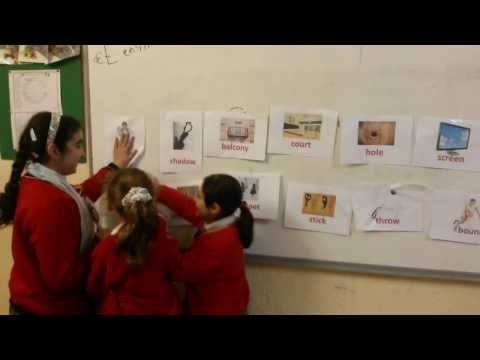 Teaching vocabularies using flash cards