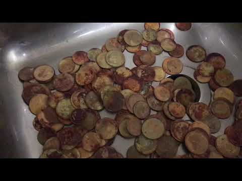 Cleaning 200 penny's in the sink (How to Clean Part 1) any 1930s penny's ???