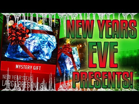 WHAT ARE IN THE NEW YEAR'S EVE PRESENTS!?-Ultimate Freeze-Madden Mobile 18