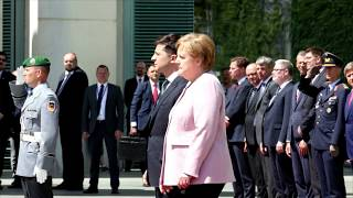 Bundeskanzlerin Merkel zittert beim Staatsempfang - das sagt sie dazu