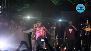 Shatta Wale's performance ends abruptly after lights go off during Legon Hall Artiste Night