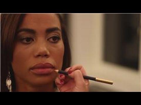 Makeup 101 : How to Make Bigger Lips Look Smaller