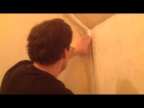 How to fix cracks in plaster walls corners