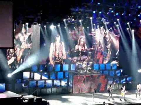 Kiss Live in Dublin 2010 O2 Arena Sonic Boom (Detroit City) HD