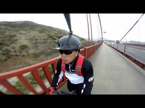 Bike Riding Across The Golden Gate Bridge With 360 Degree Rotating Helmet