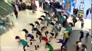 حلو موسيقي الباكستانيه في مطار دبي معه حلو رقص