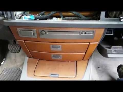 BMW 745 750 - Dash CD/Tuner Module & Storage Trays Removal
