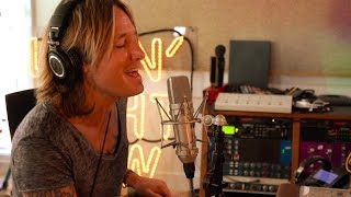 "Keith Urban - The Making of ""Never Comin Down"" from Graffiti U"