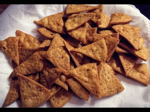 सुबह शाम की चाय के साथ बनायें टेस्टी चिप्स जो महीने भर ख़राब नही होंगे - Nimki Recipe - namak pare