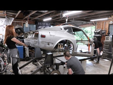 We Hung The 240z From The Ceiling!!