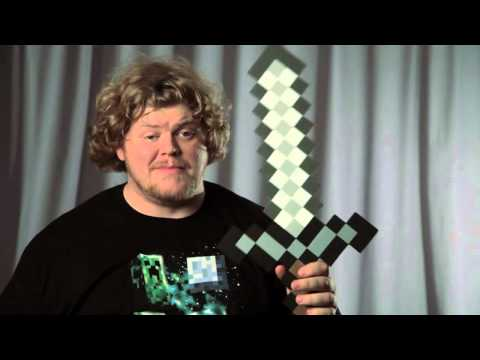 How to Make a Double-Edged Axe in Minecraft