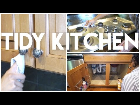 Tidy & Clean Kitchen