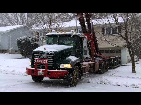 (563) 332-2555 10 Yard Dumpster Delivery Davenport, Iowa