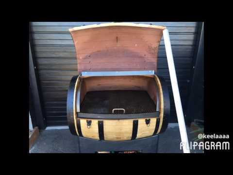 Kiwi wine barrel smoker