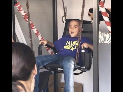 Kid Reaction to Oculus Rift   Zero Gravity