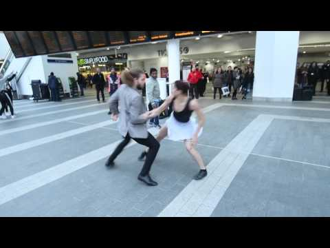 Dancing in...New Street. Dance Sampled Tea Time Takeover