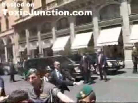 George Bush's Car Breaks Down in Rome