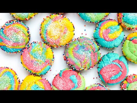 Baking Sparkly Unicorn Cookies!!