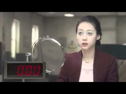 Windows 8 Funny Commercial  Make up in 10 seconds