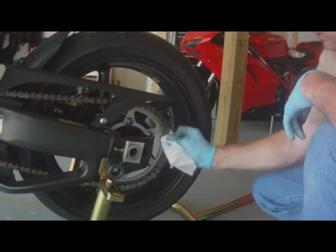 Motorcycle Chain Clean with WD40