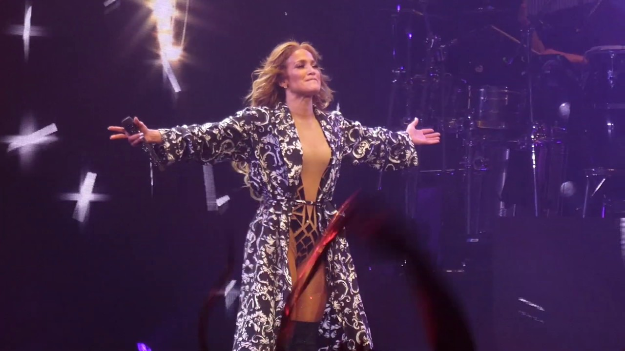 """On the Floor (Alex Rodriguez in crowd)& Let's Get Loud"" Jennifer Lopez@Philadelphia 7/20/19"