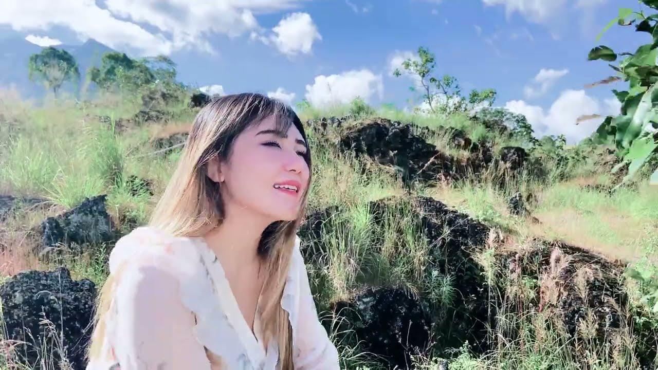 Download Via Vallen - Lebih Baik Sakit Gigi (Official Video) MP3 Gratis