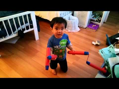 Baby using double nunchaku!!