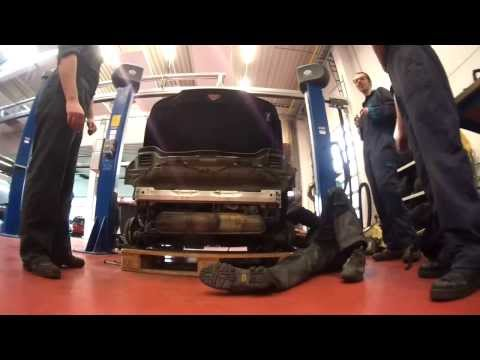 Smart Roadster engine removal
