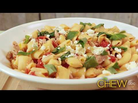 How to Make Rigatoni with Chicken and Feta