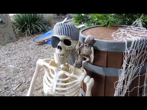 Easy Pirate Barrel Halloween Prop