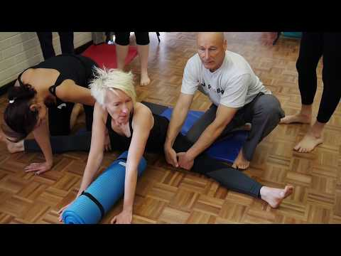 Hip Flexors - Unlock Your Hip Flexors with This Stretch [ Hip Pain and Lower Back Pain Stretches]