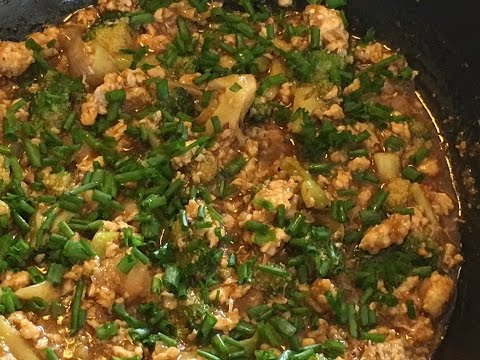 Minced Chicken With Broccoli (View in HD)