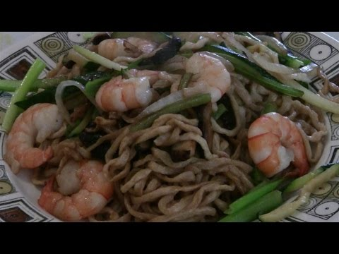 Yummy Chinese Stir Fry Noodles With Tiger Shrimp  (Prawns)  Traditional Chinese Cooking