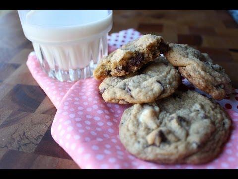 Big Chewy Goto Choco Chip Cookies